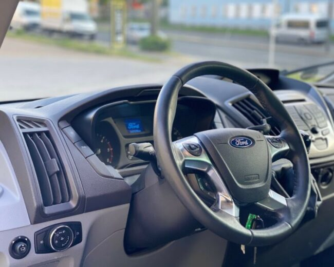 Autopujcovna ford transit